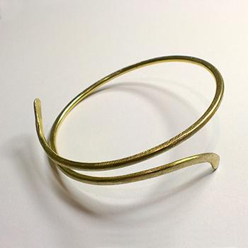 Dicte armring, Dicte serien, elegant armring, rustik armring, slebet overflade, kryds, knude, løs knude
