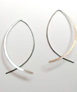 Dicte, fisk, Iben Hjejle, Hjejle, enkle øreringe, enkelt design, øreringe, slanke øreringe, guld, sølv, unika,