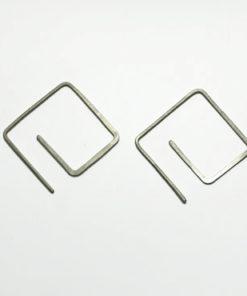 firkantede øreringe, spiral øreringe, organiske øreringe, kantede, minimalistisk, øreringe, guld, sølv, unika, enkelte øreringe