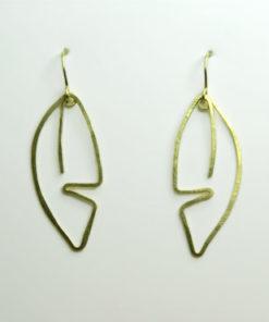 bladformede øreringe, bladøreringe, øreringe der ligner blade, organiske øreringe, minimalistisk, øreringe, guld, sølv, unika, enkelte øreringe, søde øreringe