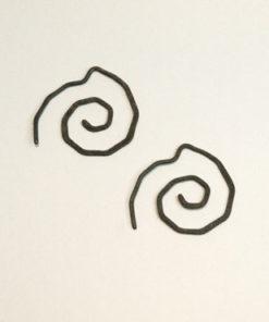 spiral, snoede øreringe, krusedulle øreringe, organiske øreringe, runde, små øreringe, slangeøreringe, unika, sølv, guld, øreringe,