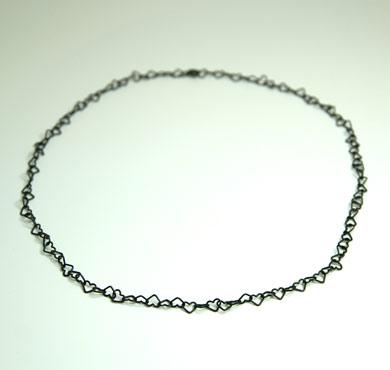 sølv, oxyderet, oxyderet sølv, kæde, ankerkæde, anker, ROH, lås, design, lænker, halskæde, halssmykke, hjerter, charms, hjertesmykke, hjertekæde